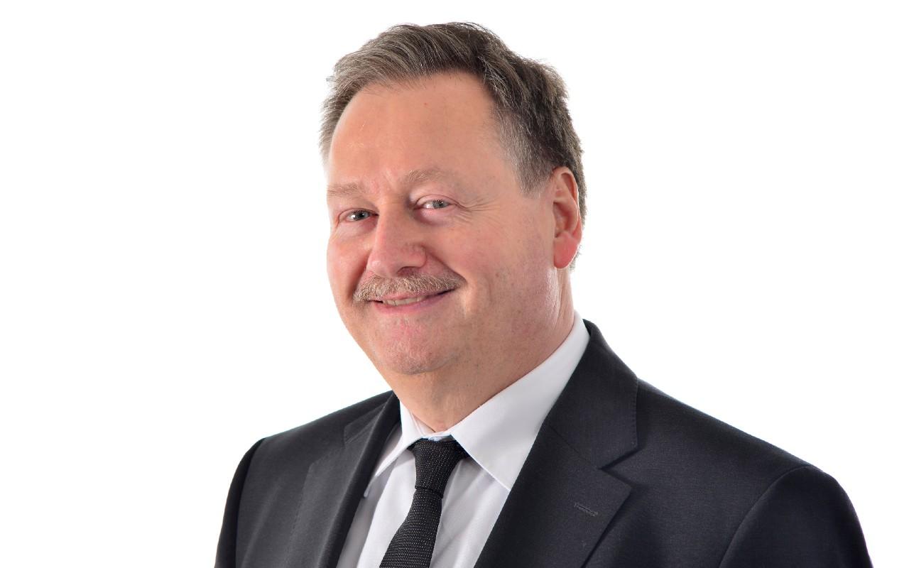 Dr. Gerhard Maier